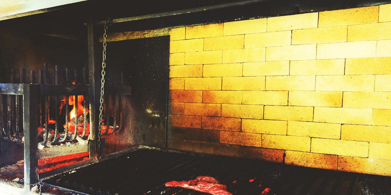 Casa Silva Clubhouse restaurant grill