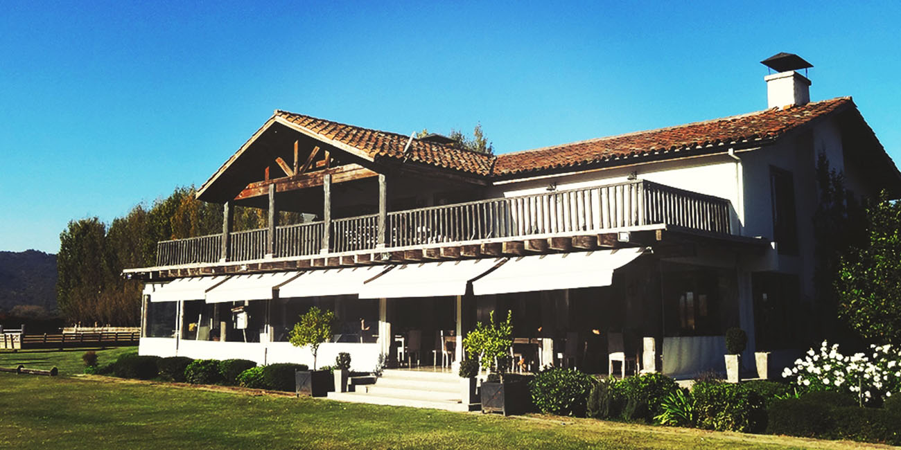 Casa Silva Clubhouse Restaurant exterior