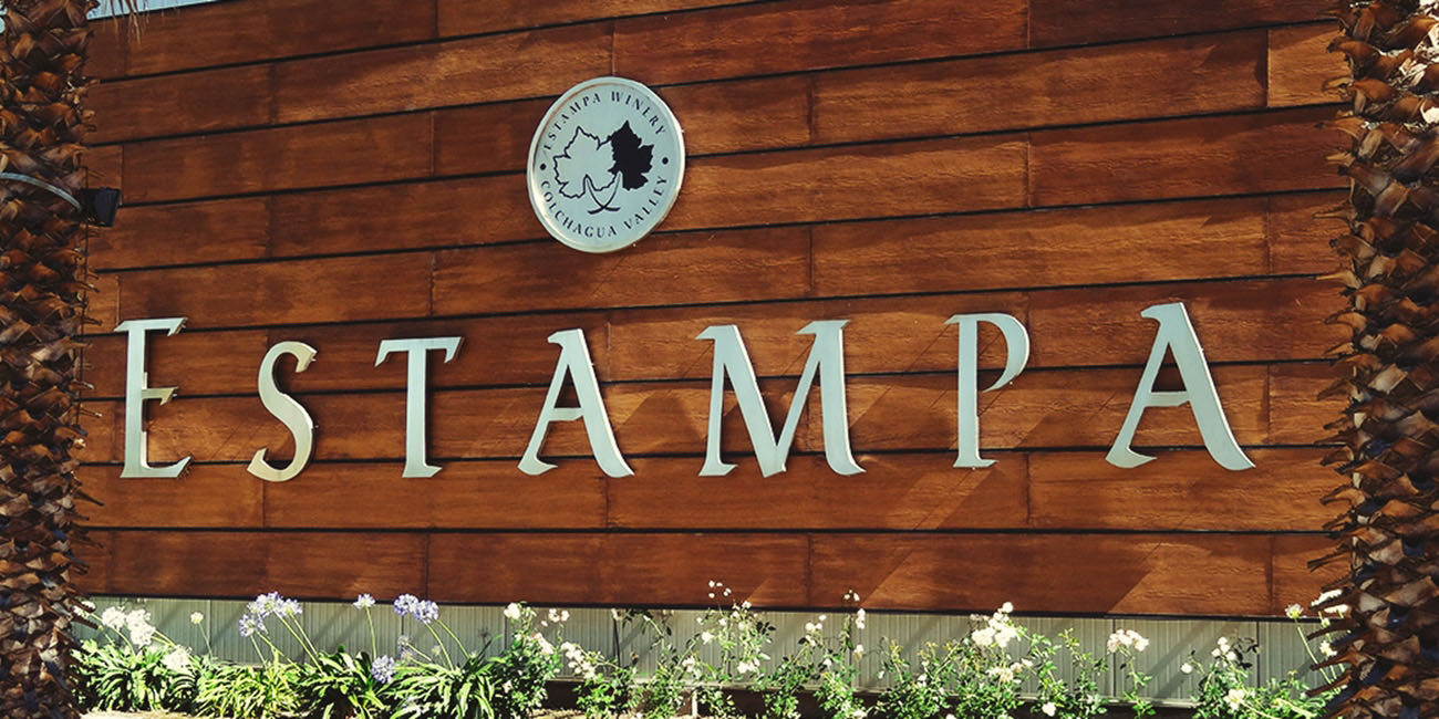 Estampa Winery Sign