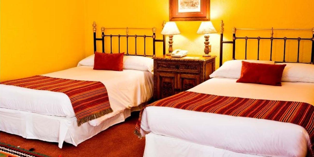 Hotel Santa Cruz Plaza guest rooms