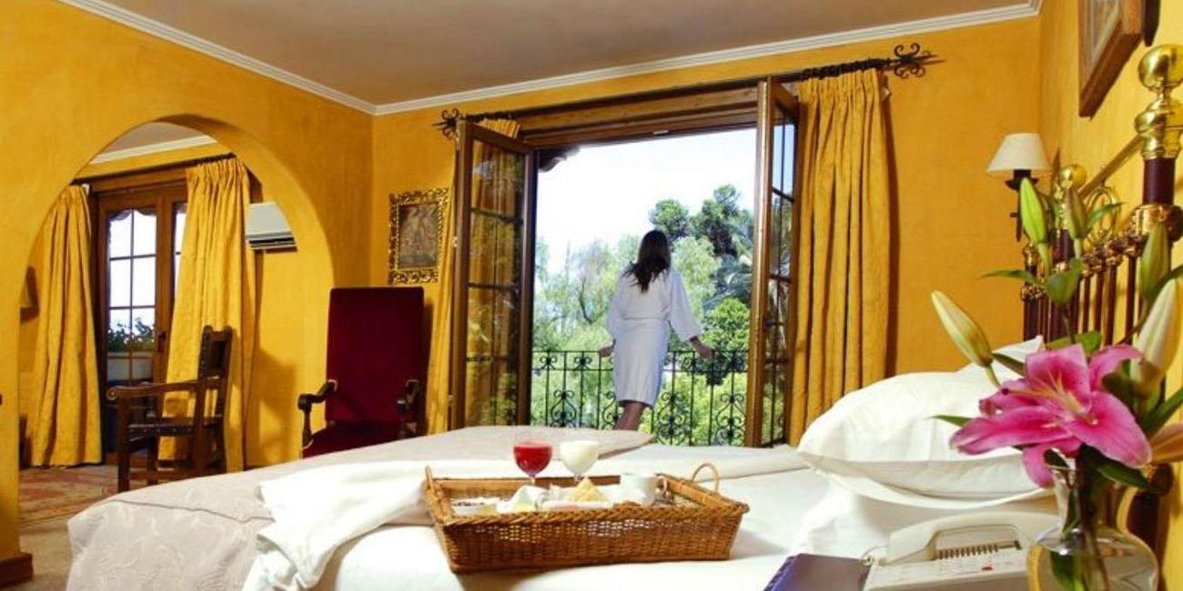 Hotel Santa Cruz Plaza guest room