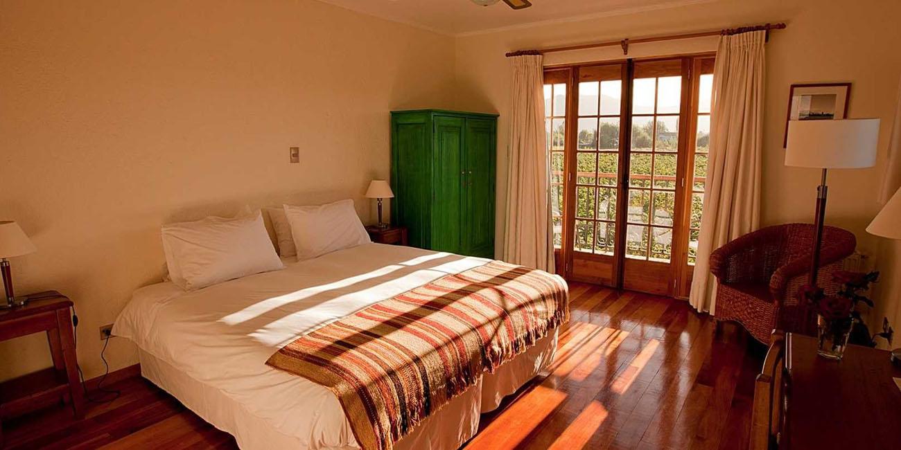 Hotel Terra Vina guest room