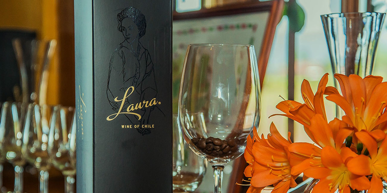Laura Hartwig Wine Box