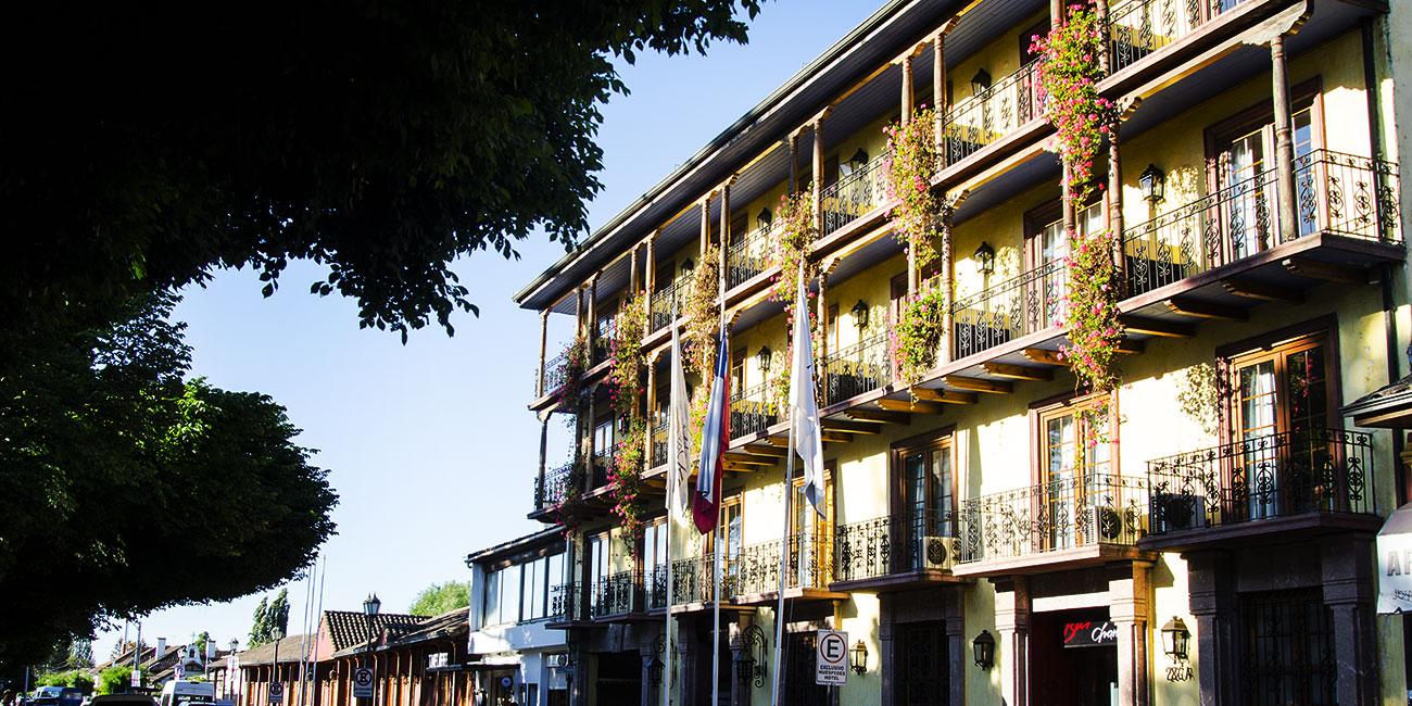 Hotel Santa Cruz Plaza Front