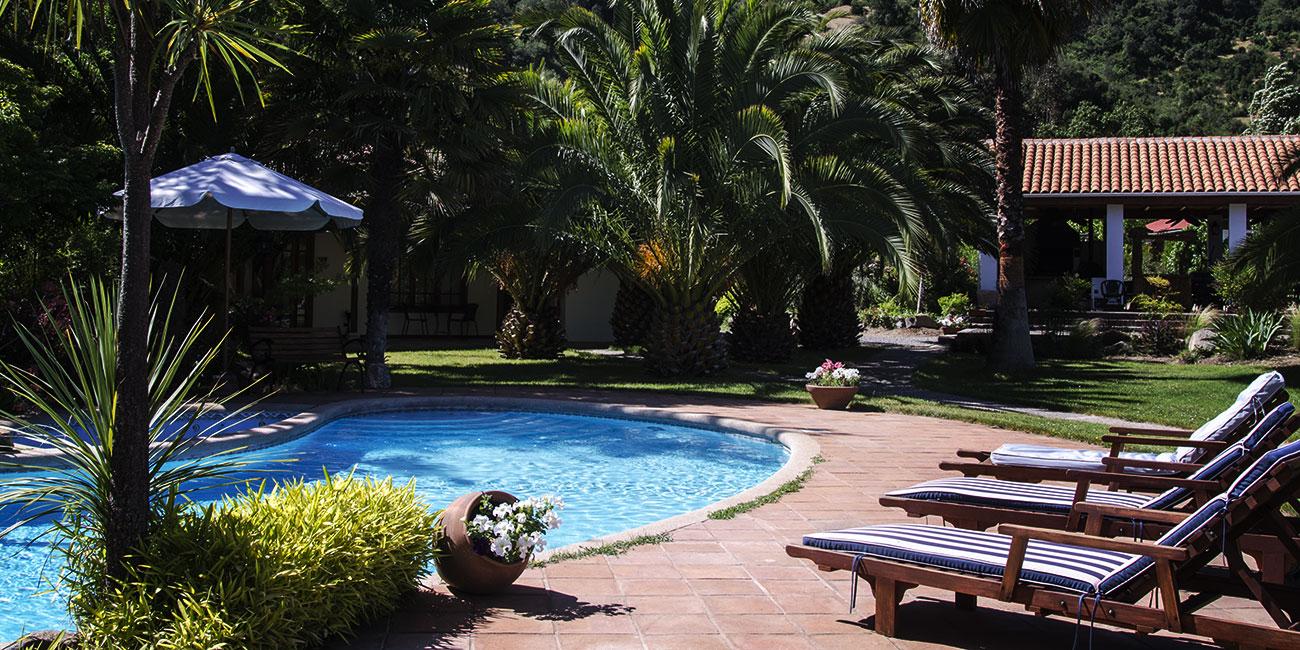 Hotel Solaz Boutique Bella Vista Pool lounge area
