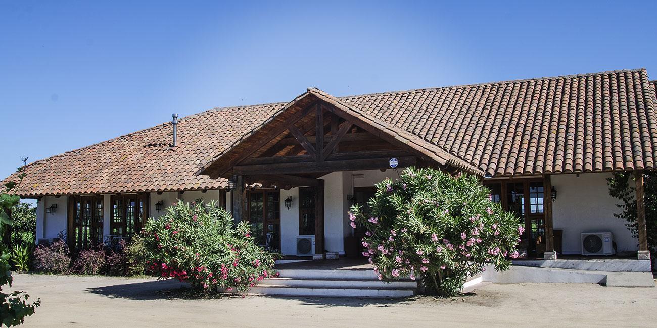 Hotel Terra Vina Front Entrance